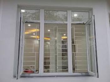 Cửa sổ mở quay nhôm Việt Pháp